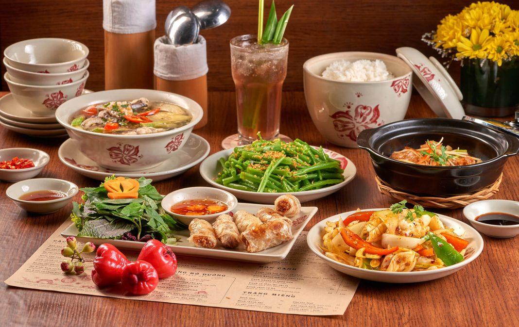 Thức ăn tại nhà hàng Maison Mận-Đỏ