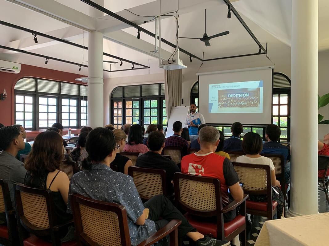 Tổ chức họp workshop tại Maison Mận-Đỏ