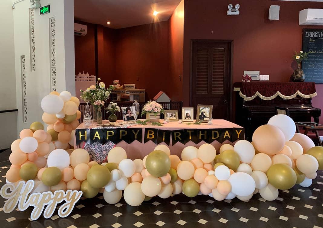 Tổ chức tiệc sinh nhật cho bạn bè