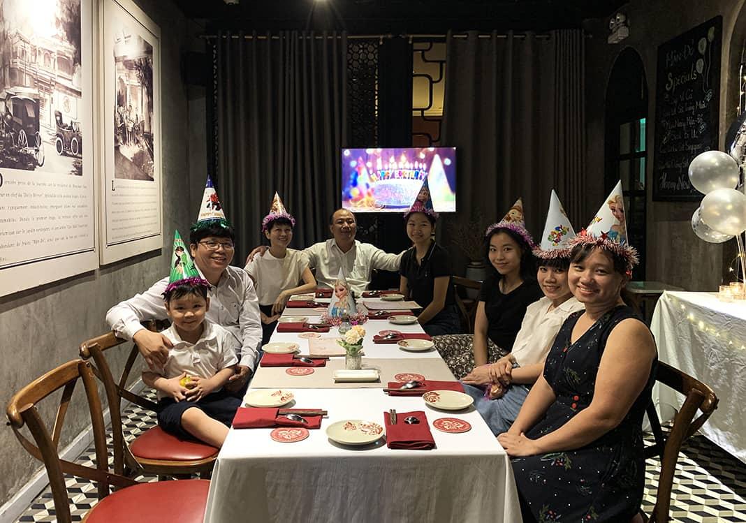 Tổ chức tiệc gia đình tại phòng riêng