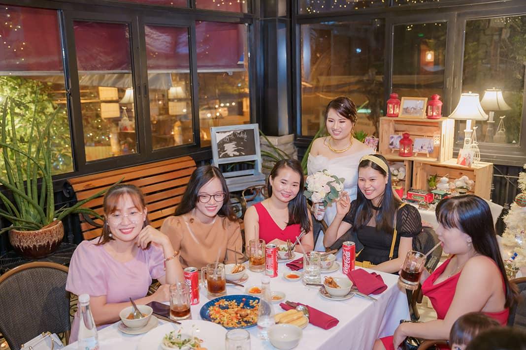Nhà hàng tổ chức đám cưới