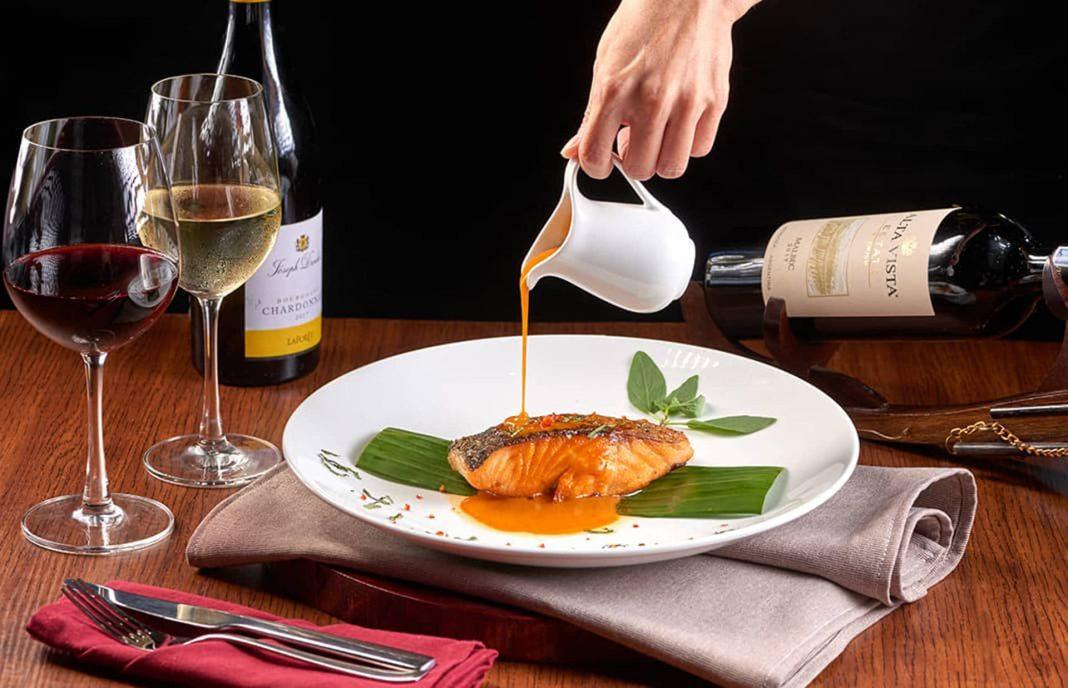 Ăn cá uống rượu vang gì