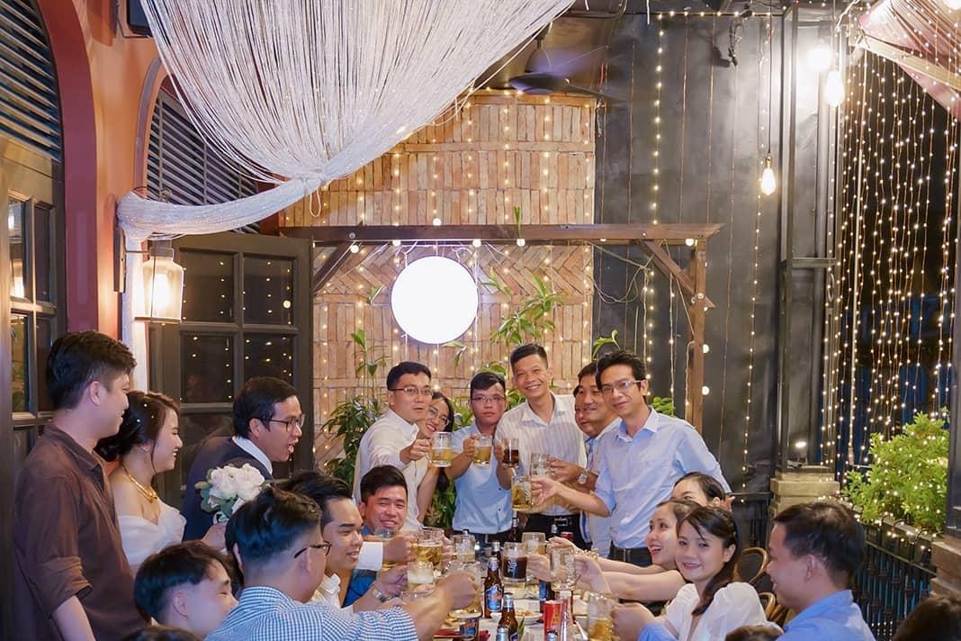 Đặt tiệc cưới tại nhà hàng